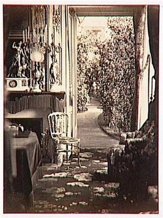 Olympe Aguado - Image: Aguado Olympe Château de Sivry. Vue intérieure d'un salon