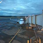 Airplane loading at PDX (27501276611).jpg