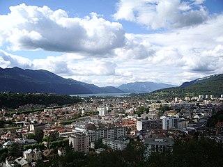 aix-les-bains dans Annecy 320px-Aix-les-Bains_2004