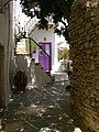 Alley in the castle of Folegandros.jpg