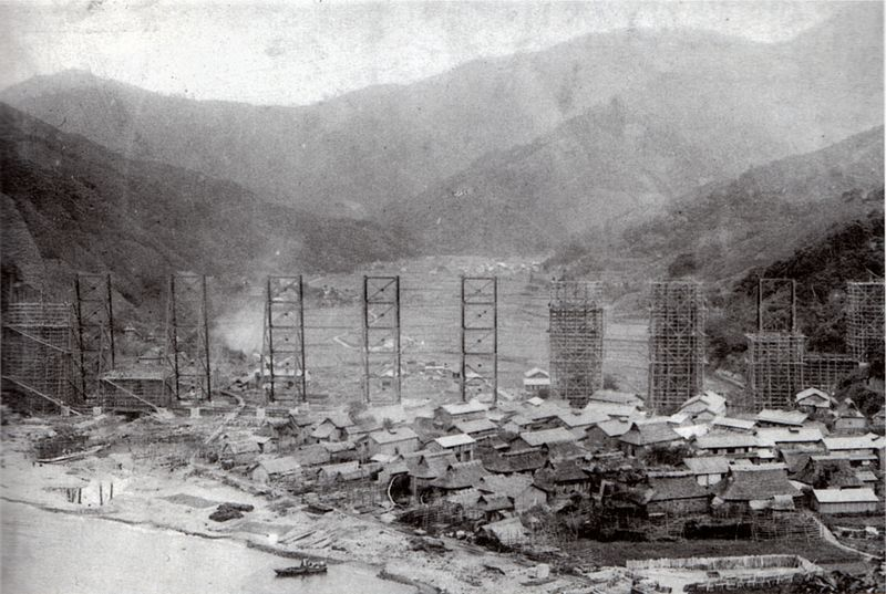 ファイル:Amarube trestle during construction.jpg