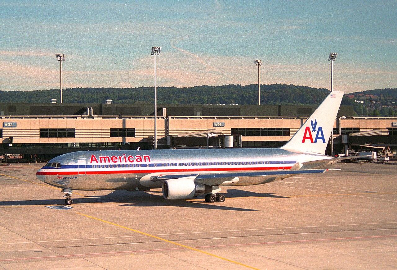 File:American Airlines Boeing 767-200; N320AA@ZRH;02.10 ...