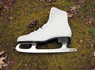 type of ice skate used by figure skaters