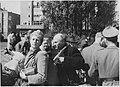 Amsterdamse joden op het Daniël Willinkplein in afwachting van deportatie naar kamp Westerbork, 20 juni 1943.jpg