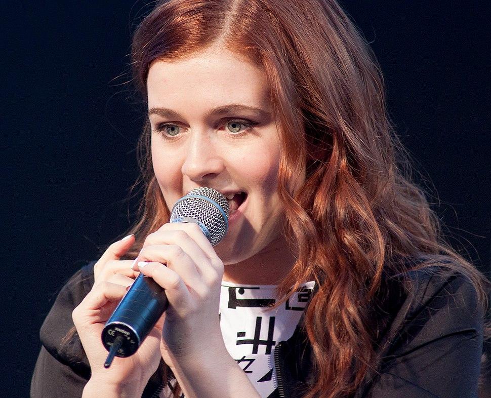 Amy Diamond singing in Uddevalla 2013-11-06