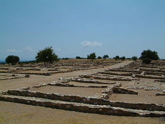 Oikos - Part of the excavation at Olynthos.  The grid layout, with regularly sized rectangular houses, can be seen.