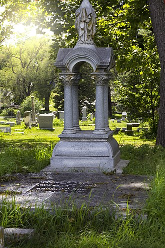 Anna Wilson (madam) - An immense polished stone in the dimensions of a king-size bed with four posts rests over the double graves of Anna Wilson and Dan Allen.
