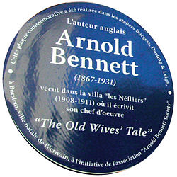 Photo of Arnold Bennett blue plaque