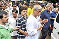 Ashok Pandit, Sudhir Mishra at Rajesh Khanna's funeral 12.jpg