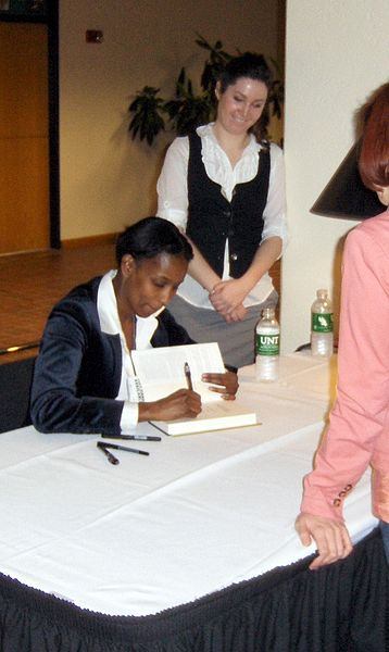 File:Ayaan Hirsi Ali book signing.jpg