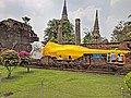 Ayutthaya Wat Yai Chai Mongkhol 02.jpg