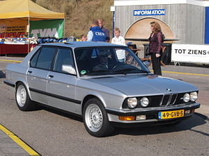 BMW 528 I dutch licence registration 49-GVB-5.JPG