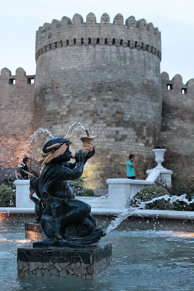 Baku Governor's Garden - panoramio.jpg
