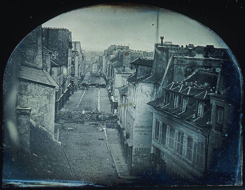 Barricades rue Saint-Maur. Avant l%27attaque, 25 juin 1848. Apr%C3%A8s l%E2%80%99attaque, 26 juin 1848 (Original).jpg