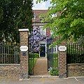 Beaufort House with Wisteria in The Butts Brentford - panoramio.jpg