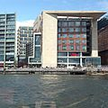 Bibliotheek Amsterdam vanaf het Oosterdok 2.JPG