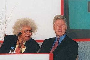 Meghnad Desai, Baron Desai - Meghnad Desai with Bill Clinton in 2001