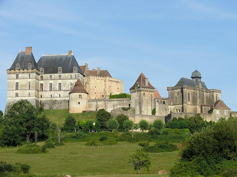 Fichier:Biron - Château -1.JPG