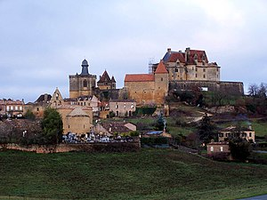 Biron, Dordogne - Image: Biron Est
