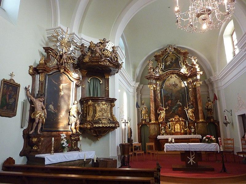 File:Bischofstetten Pfarrkirche innen.jpg