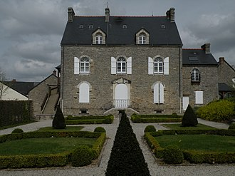 Bourg-des-Comptes - Town hall