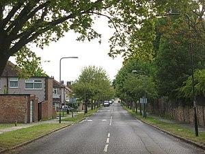 Broad Walk,Kidbrooke - geograph.org.uk - 1297258.jpg