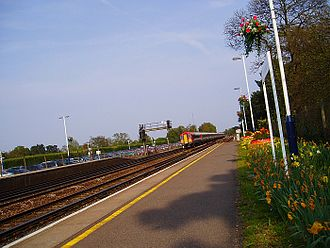 Brookwood railway station - View towards London Waterloo in May 2006