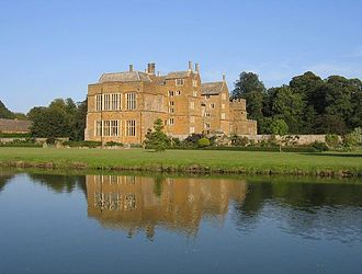 Broughton Castle - Image: Broughton castle 2
