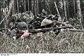 Bundesarchiv Bild 101I-198-1394-18A, Russland, Soldat mit russischem Gewehr Recolored.jpg