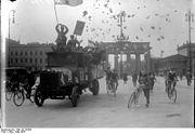 Bundesarchiv Bild 102-00394, Berlin, Wahlpropaganda zur Reichstagswahl