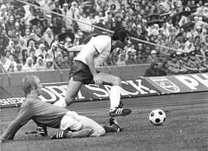 Bundesarchiv Bild 183-N0716-0303, X. Fußball-WM, Niederlande - DDR 2-0