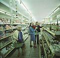 Bundesarchiv Bild 183-U0202-400, Berlstedt, Ländliches Einkaufszentrum.jpg