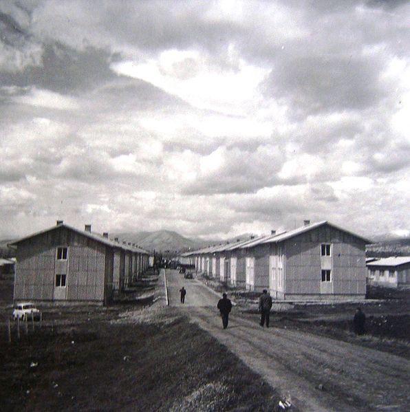 Скопје и околината 596px-Butel%2C_panoramski_prikaz_na_objektite%2C_1964