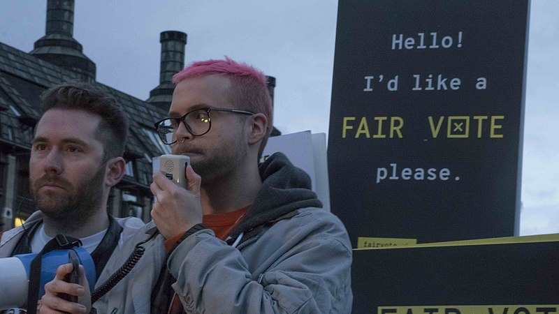 Bestand:Cambridge Analytica protest Parliament Square4.jpg
