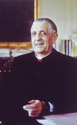 Cardinal L. Suenens.jpg