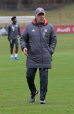 Carlo Ancelotti Training 2017-03 FC Bayern Muenchen-4