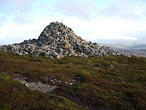 Monzievaird - Carn Chainichin. King Kenneth's Cairn