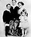 Carole Lombard family.jpg