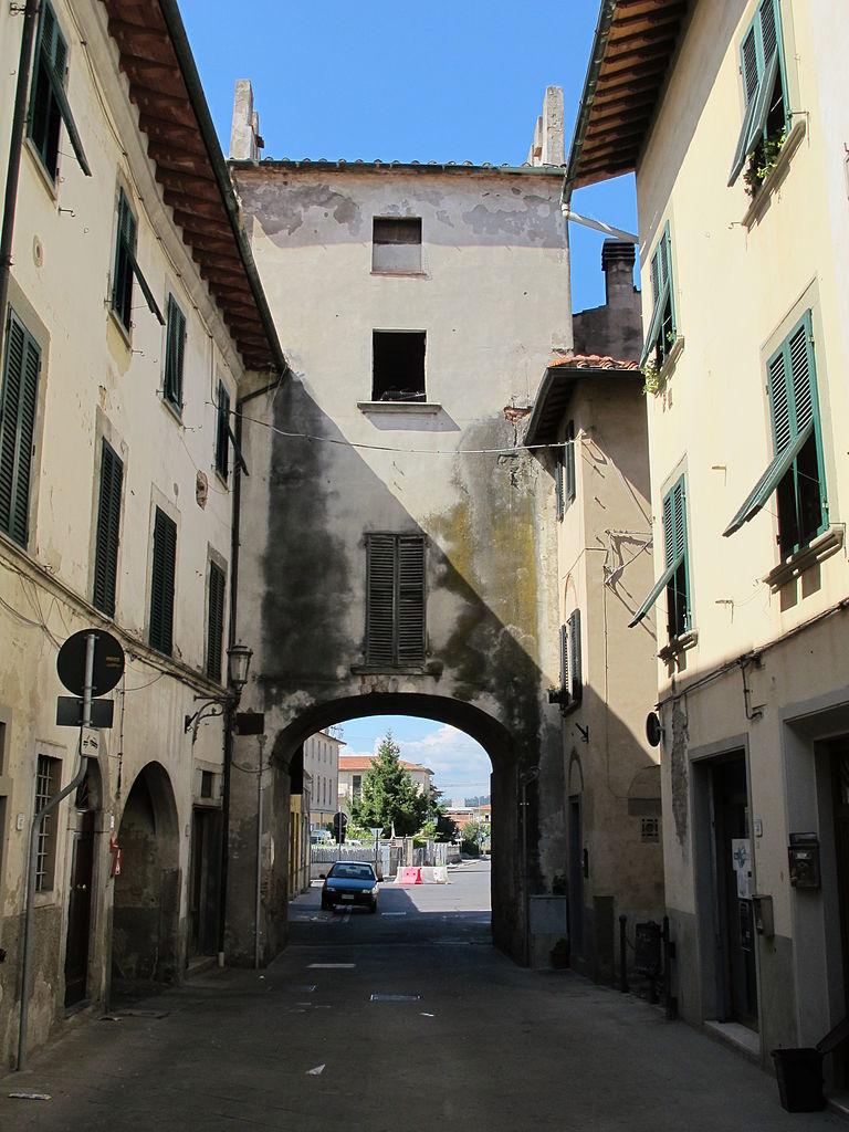 File castelfranco di sotto porta san michele in - San michele a porta pia ...