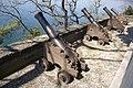 Castello di Miramare (Parco) Piazzola con i cannoni.JPG