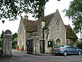 Cemetery gatehouse, Kings Road, Bury St. Edmunds - geograph.org.uk - 1482094.jpg