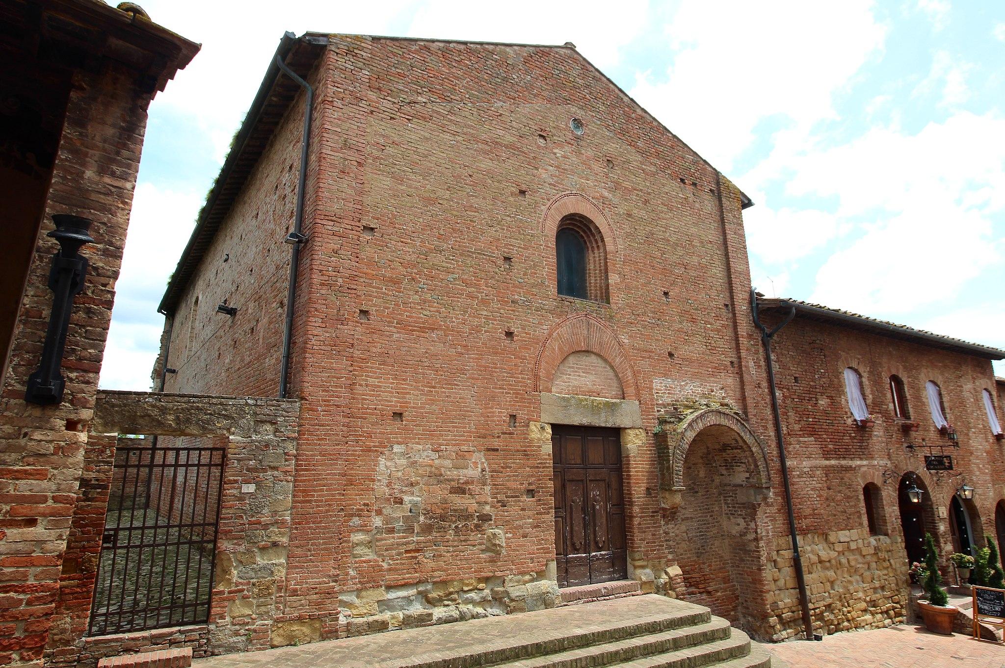 Certaldo, esterno della Chiesa dei Santi Tommaso e Prospero