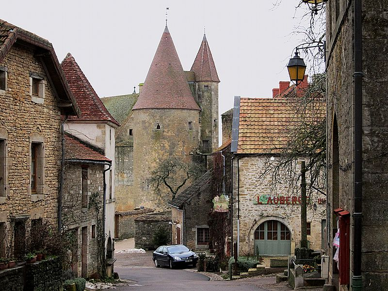 File:Chateauneuf bourg.JPG