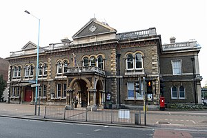 Chiswick Town Hall - Wikipedia