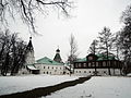 Church of the Protection of the Theotokos in Alexandrov and Abbot's house (winter 2014) by shakko.JPG