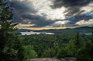 Entrelacs, Quebec - Image: Coucher de soleil couvert