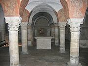 Bayeux Cathedral, the crypt has groin vaults and simplified Corinthian capitals.