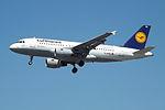 D-AKNH A319 Lufthansa (14600804919).jpg