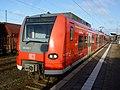 DB 424 032 S-Bahn Hannover Nienburg 120308.jpg