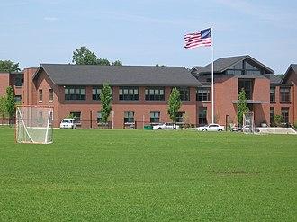 Darien High School - Image: Darien CT High Sch Entrance 07252007